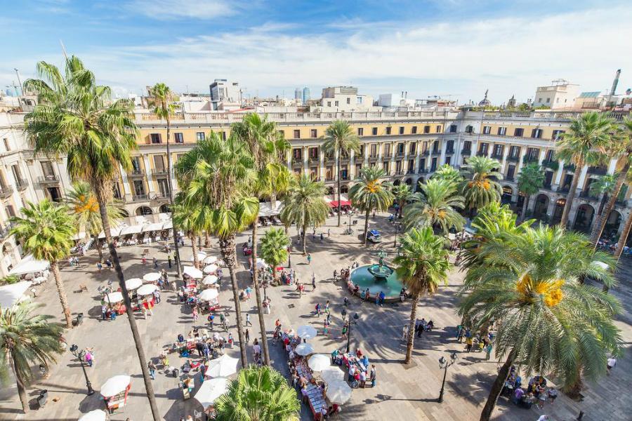 Plaça Reial, plus belle place de Barcelone