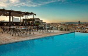 Sky Bar rooftop à Barcelone pour un EVG